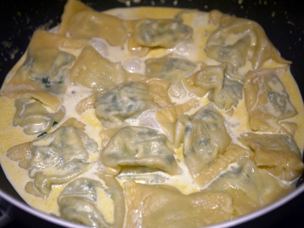 spinach-ricotta-and-pine-nut-ravioli-36-butterwouldntmelt-com