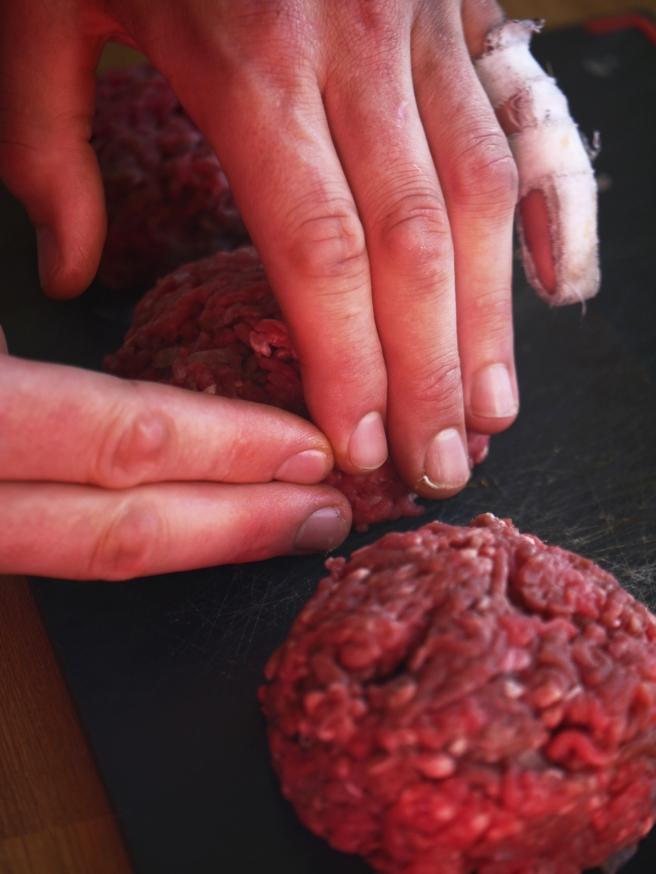 stuffed-burgers-11-butterwouldntmelt-com