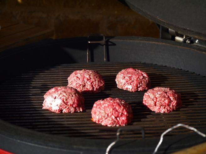 stuffed-burgers-15-butterwouldntmelt-com