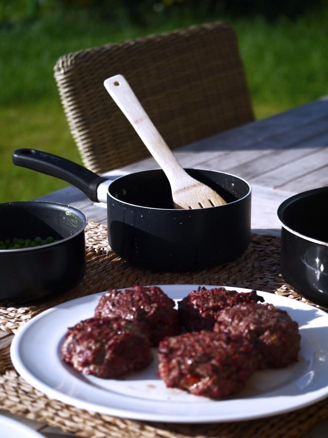 stuffed-burgers-19-butterwouldntmelt-com