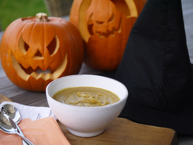 pumpkin-and-chestnut-soup-6-www-butterwouldntmelt-com