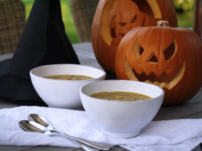 pumpkin-and-chestnut-soup-7-www-butterwouldntmelt-com