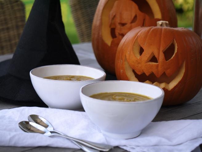 pumpkin-and-chestnut-soup-7-www-butterwouldntmelt-com