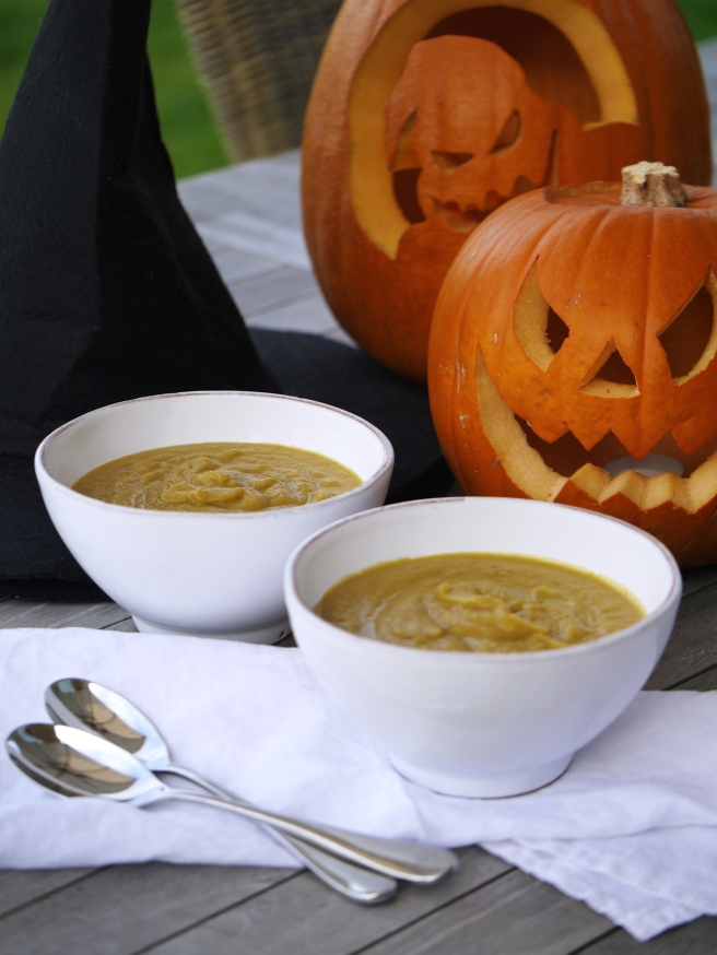 pumpkin-and-chestnut-soup-8-www-butterwouldntmelt-com