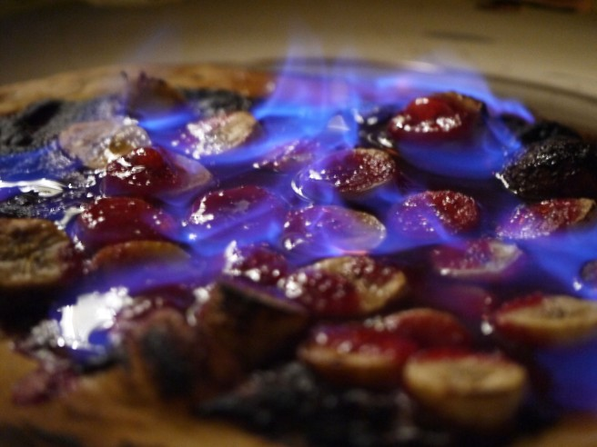 nutella-banana-and-raspberry-coulis-pizza-7-www-butterwouldntmelt-com